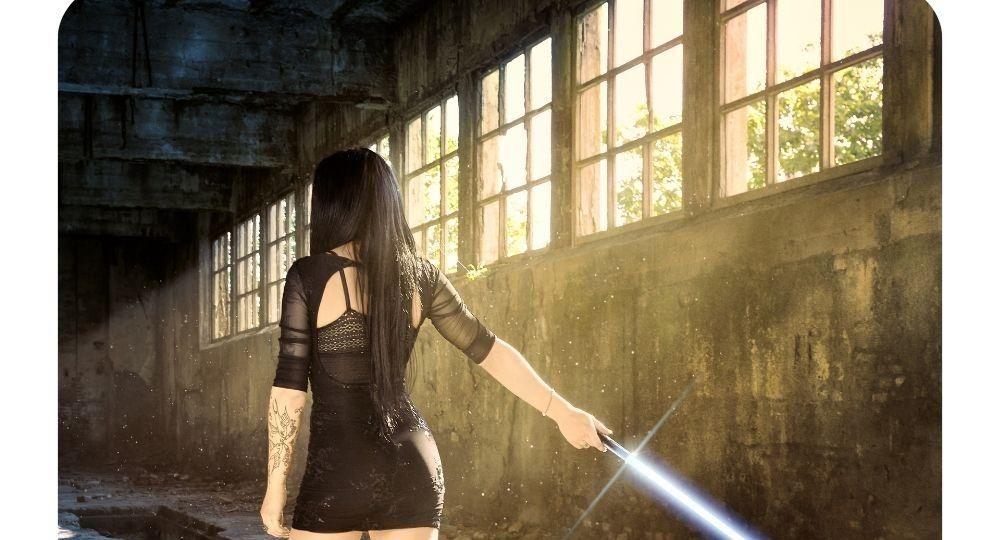 miecz-swietlny-prawda-ciala